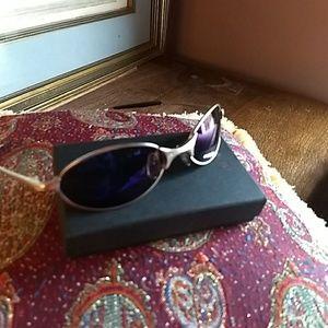 Vintage Oakley sunglasses unisex